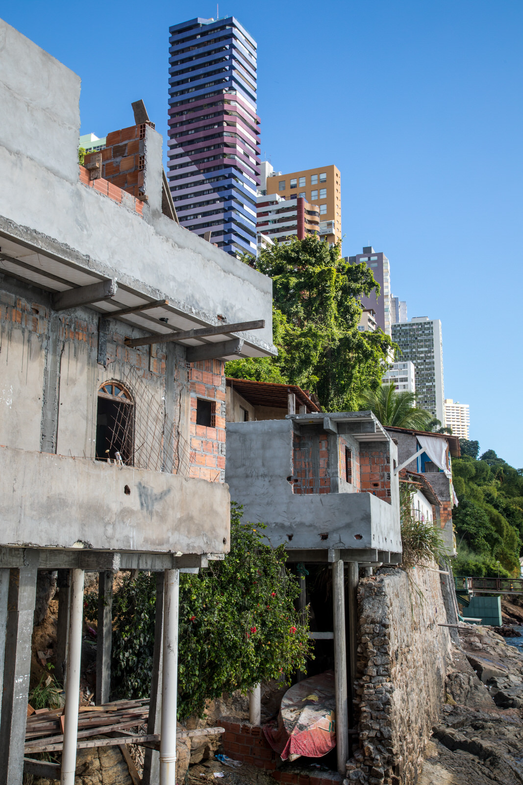 The Salvador coastline has undergone a series of urban development projects over the years. Urbanisation has been envisioned through 'modernisation' projects.  Gamboa de Baixo is one of a number of vulnerable coastal communities facing challenges as a consequence of urban development.