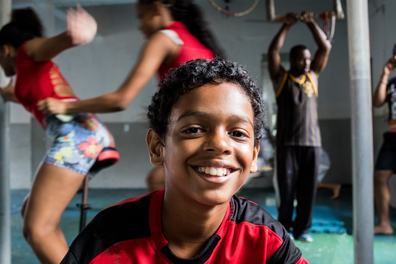 The Arte Consciente initiative complements the education of youth, providing information about Salvador's Afro-Brazilian cullture and identity.