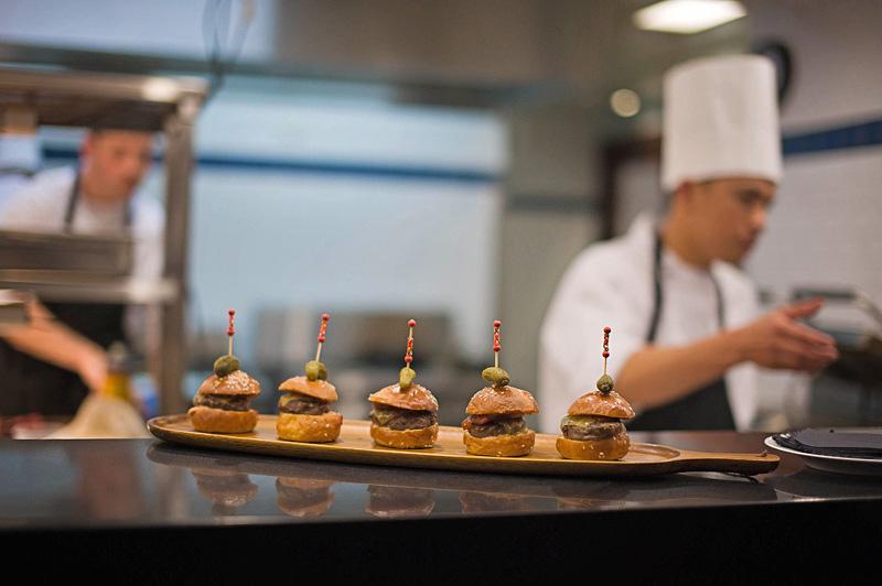 11HOI POLLOI cheeseburger, grass fed beef, milk bun, pickle relish, fries.jpg