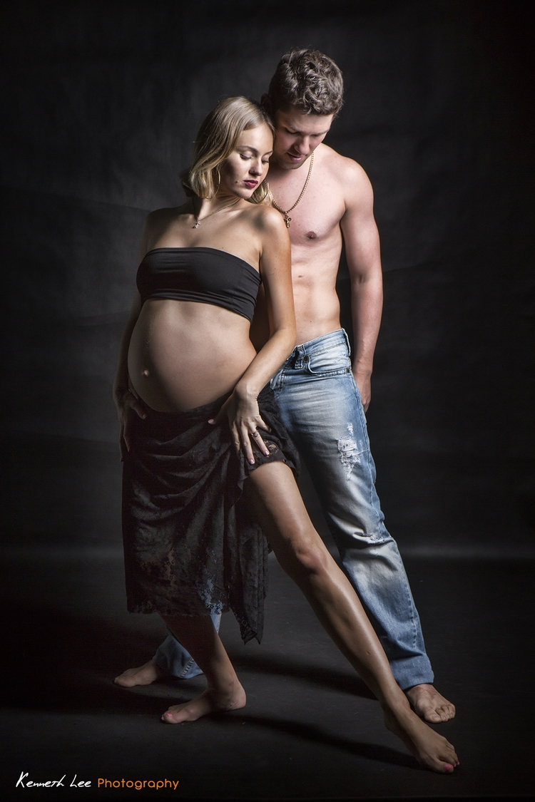 studio_pregnancy_photo