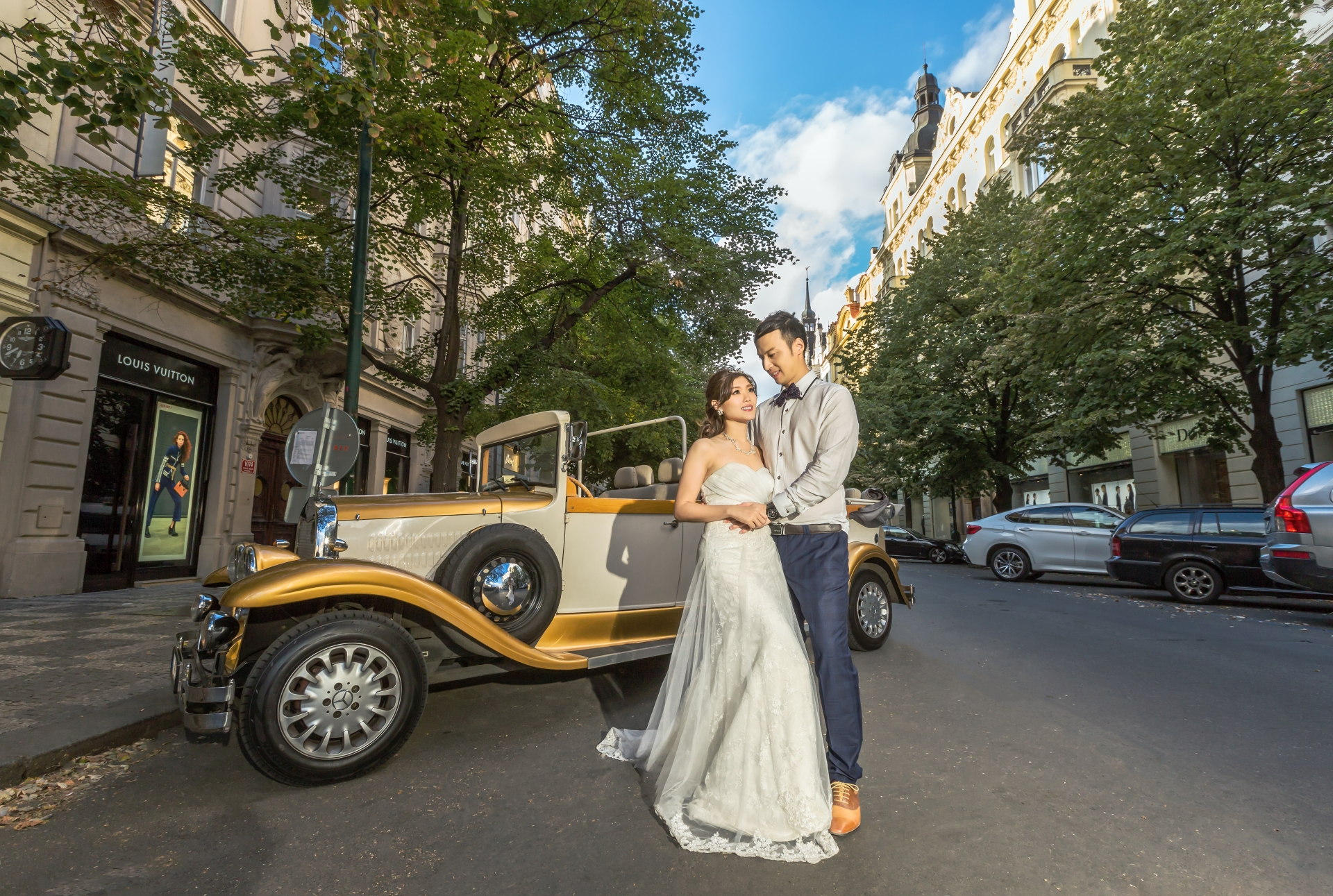 Prague Prewedding - Jeep