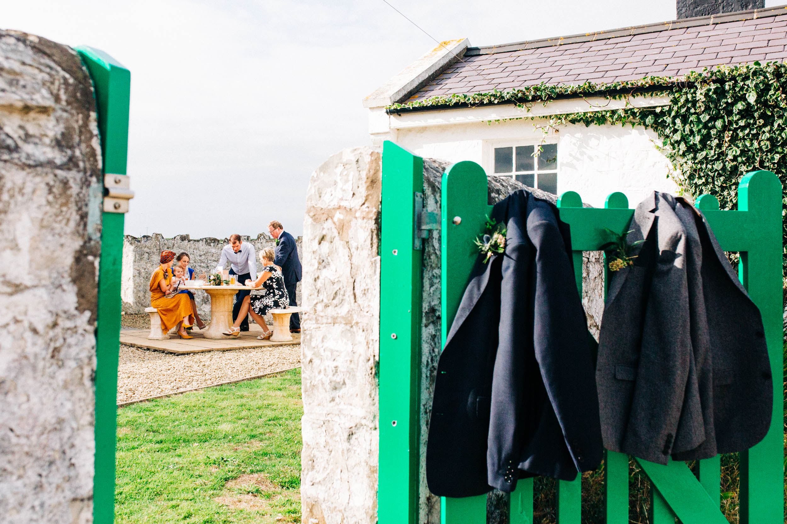 Alex_Sedgmond_Photography-MonkNashLighthouse-WeddingPhotography-Penny&Mike-177.jpg