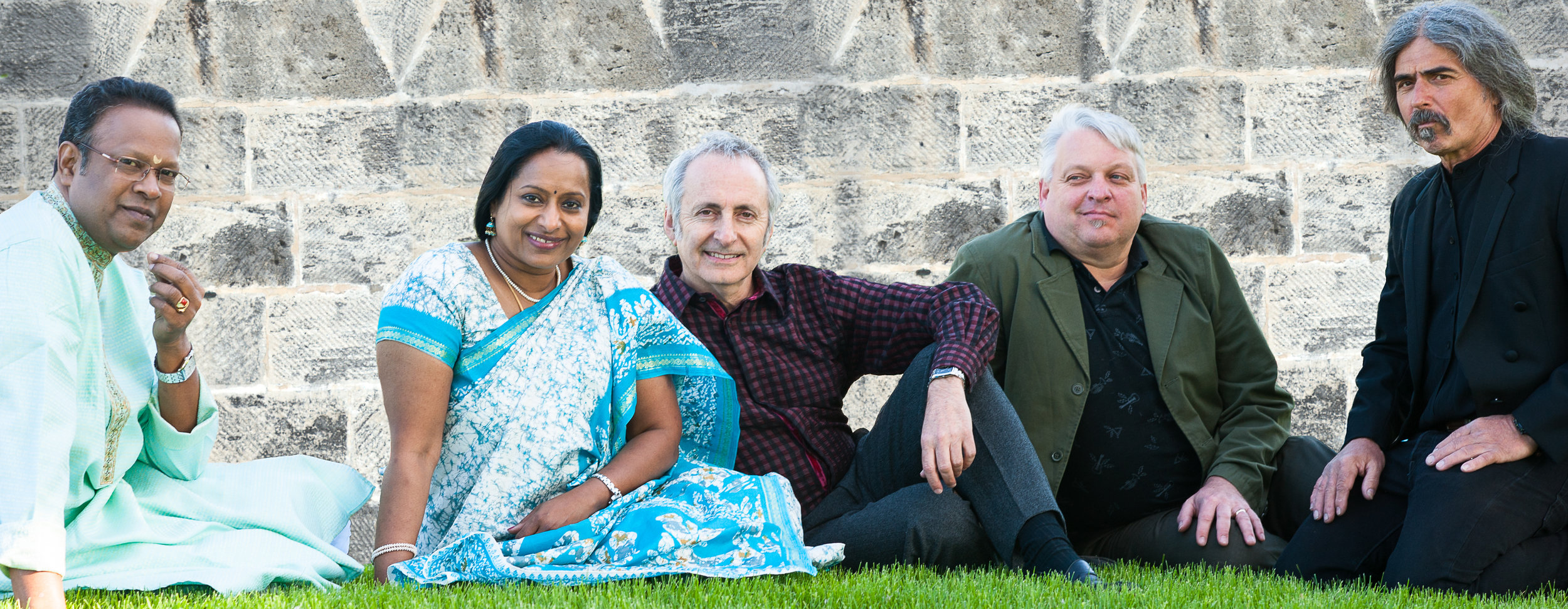 "Voices of Sepharad musiciansBoopathi, Nirmala Rajasekar, David Jordan Harris, David Burk, Mick LaBriola in ""Song of Wonder""   Photo by ReyMash Photogra phy  jpg download (5.9 MB)"