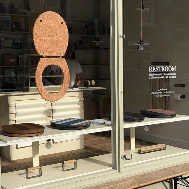 RESTROOM a small show I am involved in @jglinert is on until Nov 5th. Pop in if you are in the area to see some hand made toilet seats. Complemented by lovely objects designed and made by Dean Edmonds also known as @bermudatrips !  #maxfrommeld #toiletseat