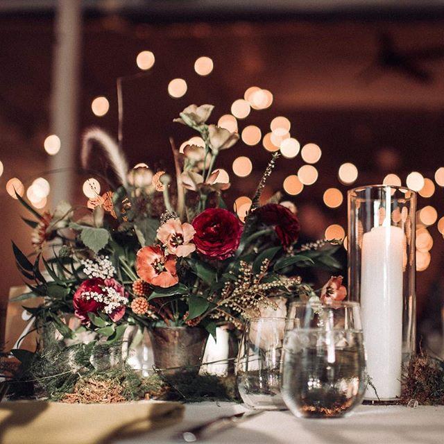 Timeless details  Florals by @laurellane_ ✨