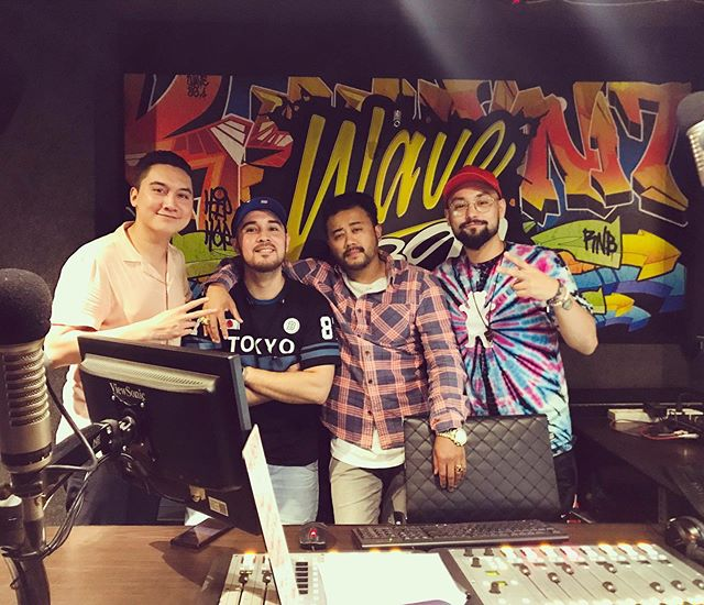 Was an ABSOLUTE honor and privilege to be a guest on @wave891fm with the @thevibe.ph homies @dinokilates and @thisisangelog 🙏🏽. Very special s/o to @dannieboirnb and the entire crew at WAVE89.1! To the listeners all over Metro Manila, to my family in Baguio and the provinces and everyone in the states who tuned in, maraming salamat po! 🤞🏾🤞🏾🤞🏾 #rockysandoval #singer #songwriter #musician #artist #rnb #rnbsinger #radiointerview #dedication #workaholic #filipino #tacoma