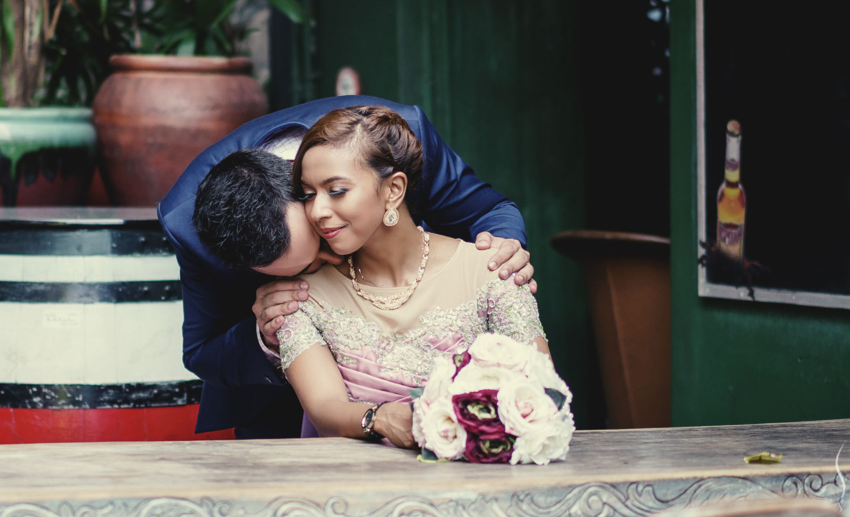 Muslim wedding couple in a photoshoot at Arab Street, Singapore.