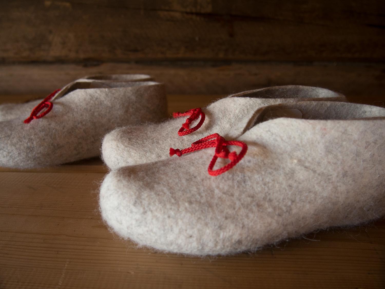 Felt slippers for kids, size 34