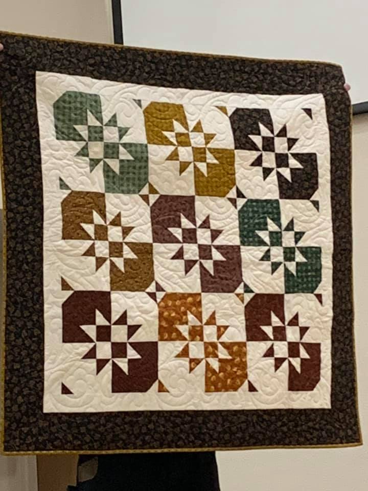 jenny disappearing hourglass quilt.jpg