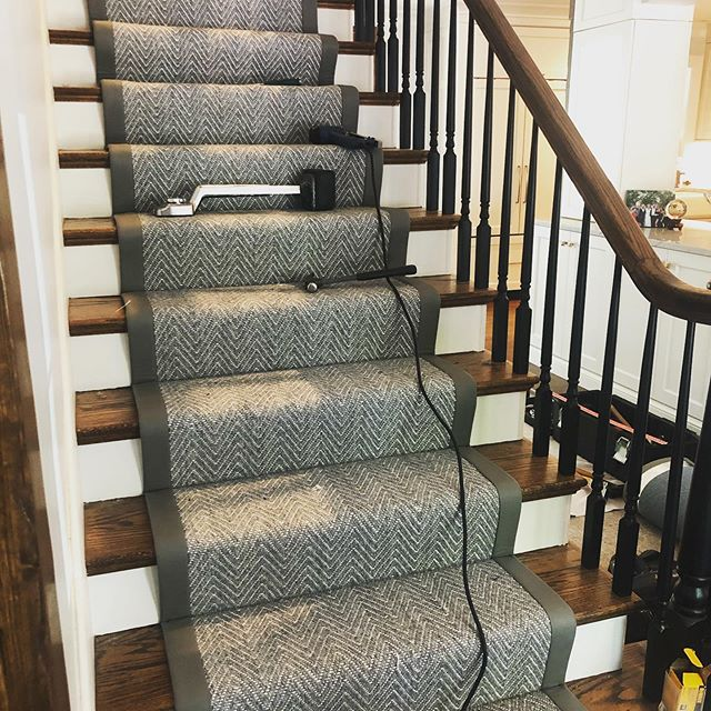 Stair runner install today 😍. . . . #kmhomedesigns #kmdesigns #staircase #brightboldhome #interiorandhome #inspiremyinstagram #creativelifehappylife #dreamhome #creativityfound #calledtobecreative #homestyling #howyouhome #welllived #inspirationeveryday