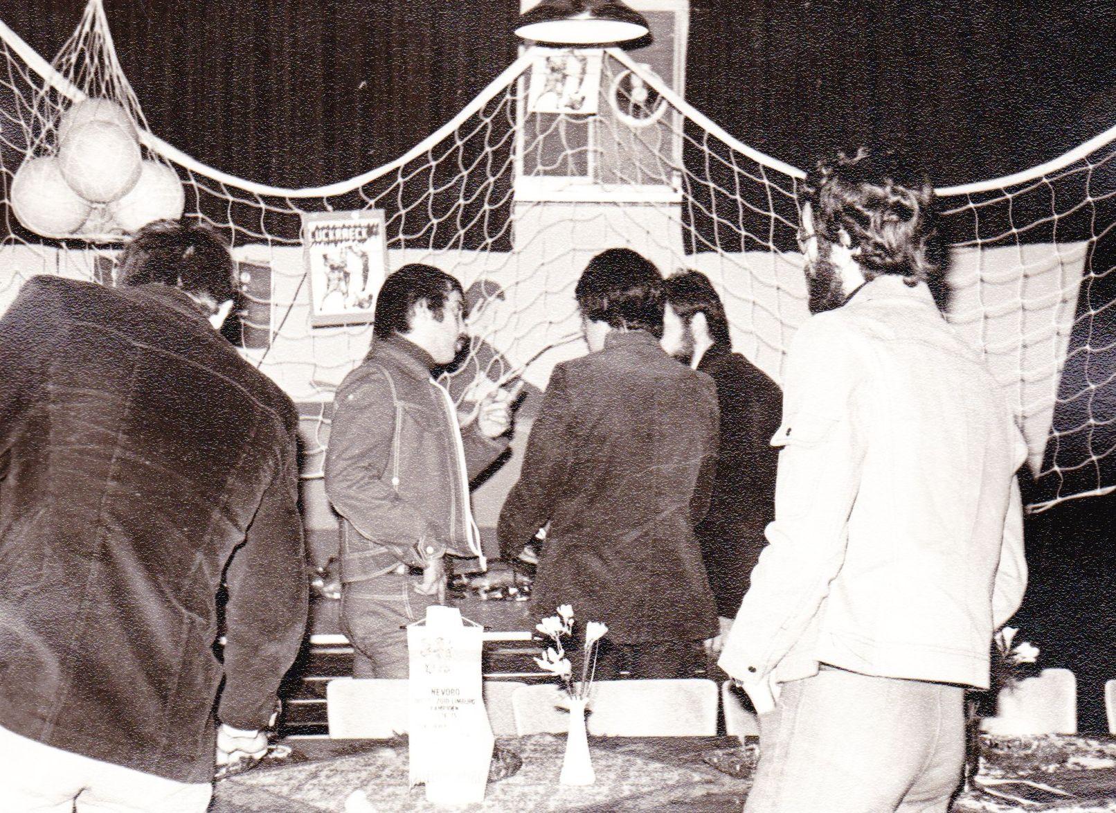 Receptie kampioenschap 1975 2e klasse 01.jpg