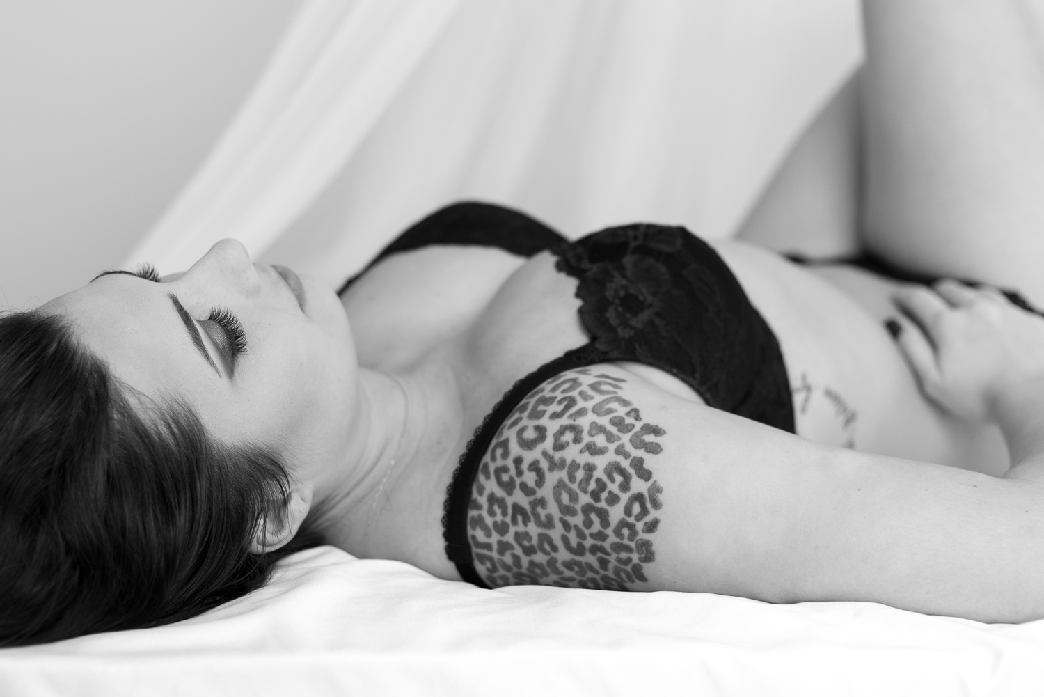 Fort Campbell classy boudoir photography, Hopkinsville, KY, Clarksville, TN, Nashville, TN - D. Phillips Photography