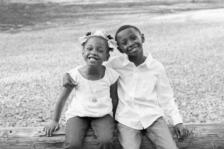 Family photos in Clarksville, TN // dphillipsphotography.com