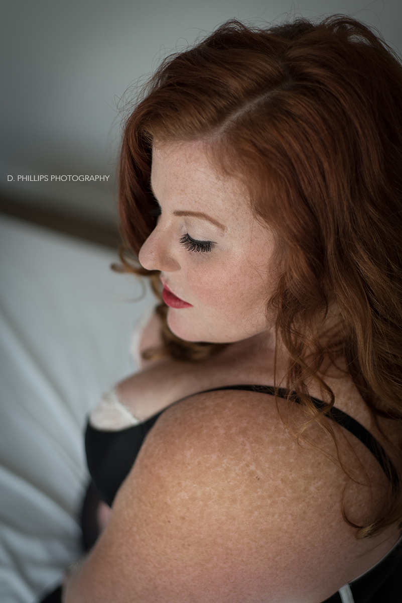 """Undone"" retro boudoir photo inspiration 