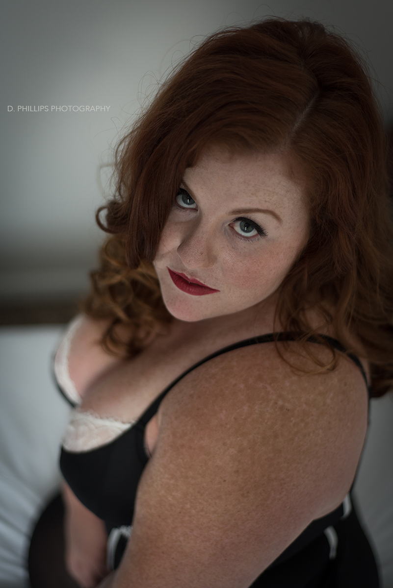 Moody boudoir photos | D. Phillips Photography