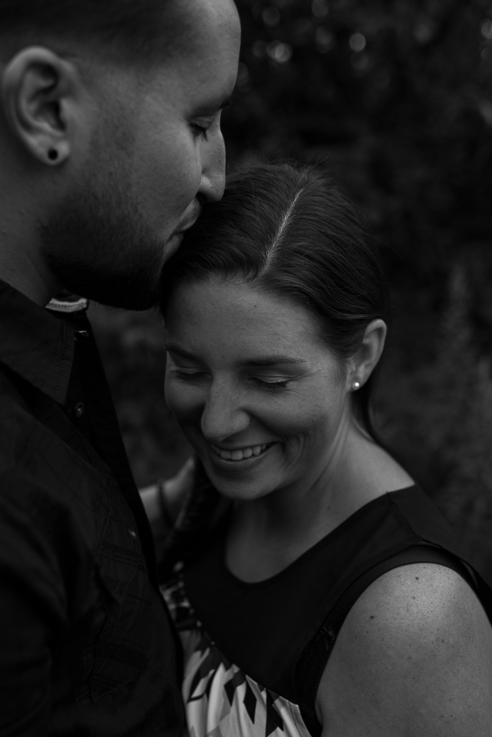 Engagement, couples photographer in Clarksville, TN - D. Phillips Photography