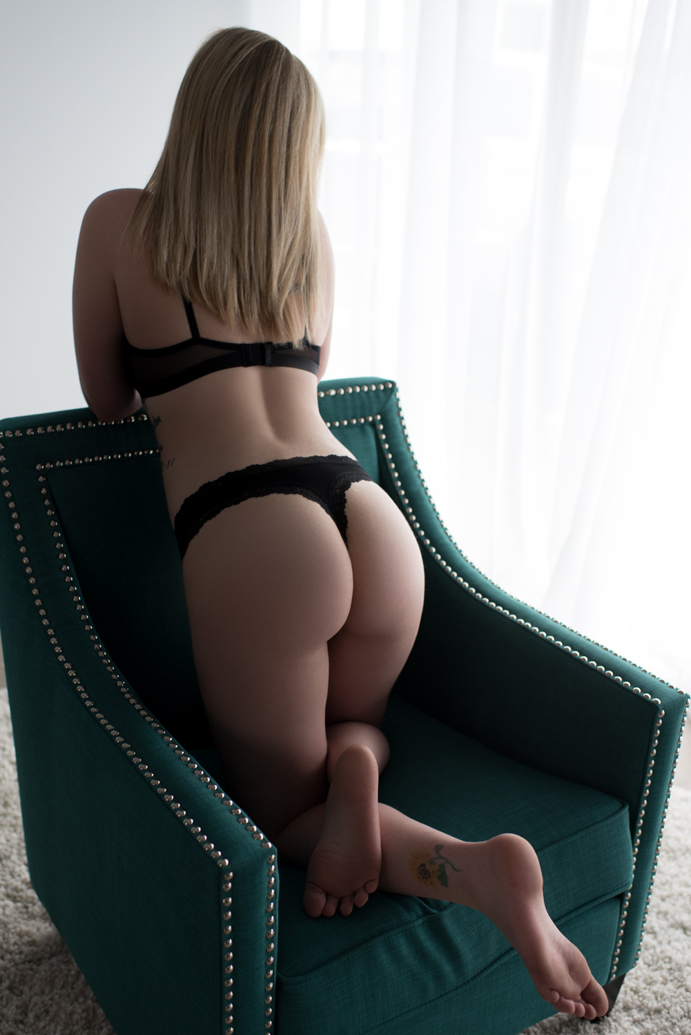 Booty boudoir pose - D. Phillips Photography