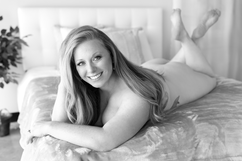 Black-White-Photography-Boudoir-D-Phillips-Photography-Clarksville.jpg