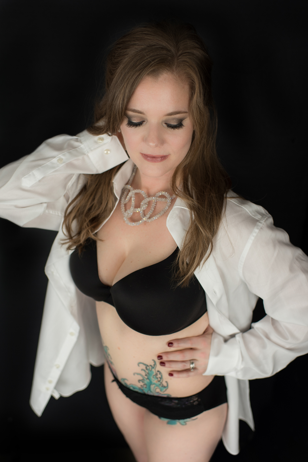 What to wear for your next boudoir shoot with D. Phillips Photography in Clarksville Tennessee