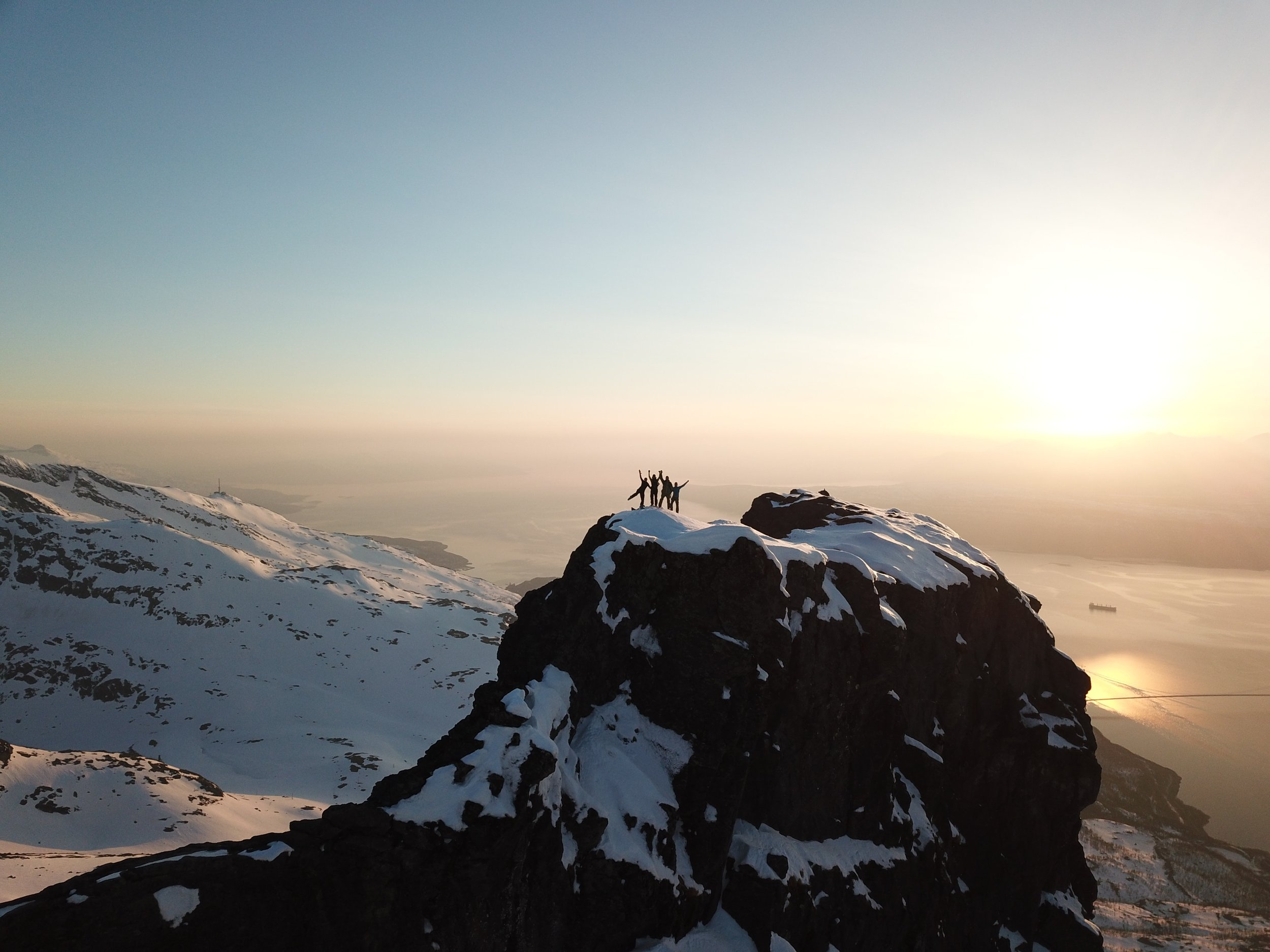 adventure-altitude-cold-2403502.jpg