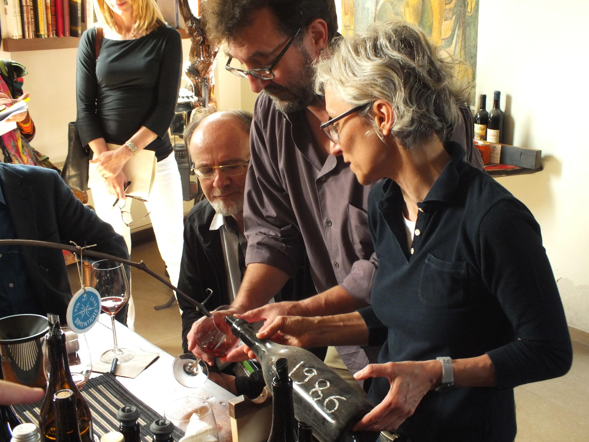 Tasting of a 1986 Mascarello, one of the last wines made by Bartolo Mascarello himself.