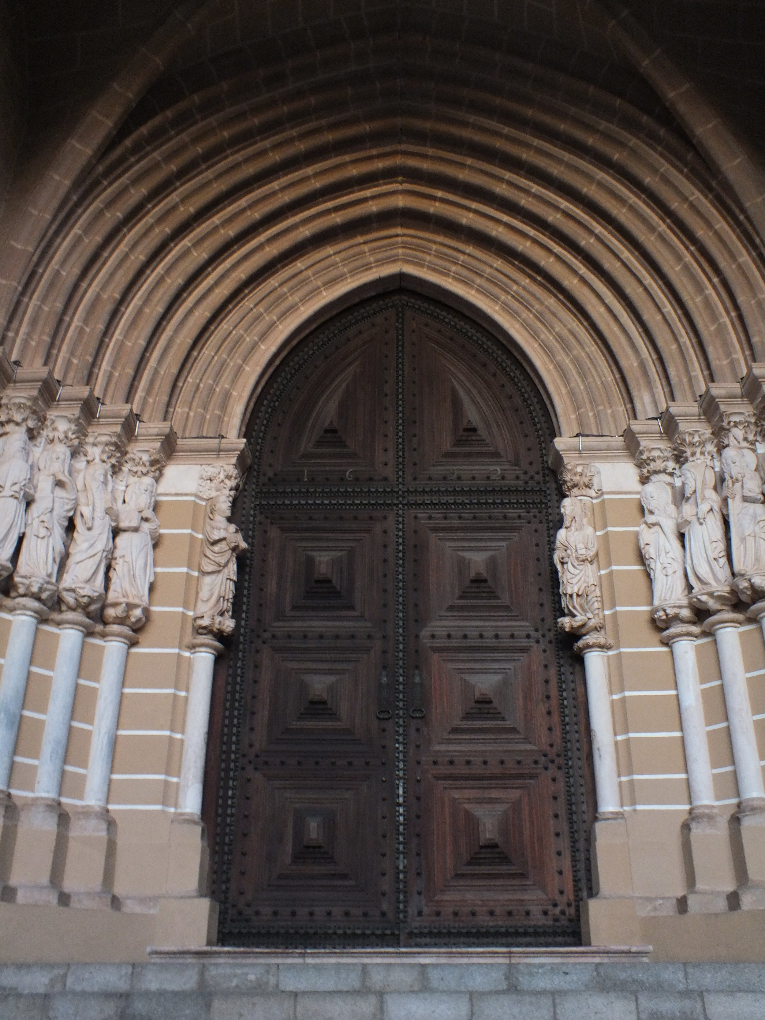 Portal to the Cathédral of Évora