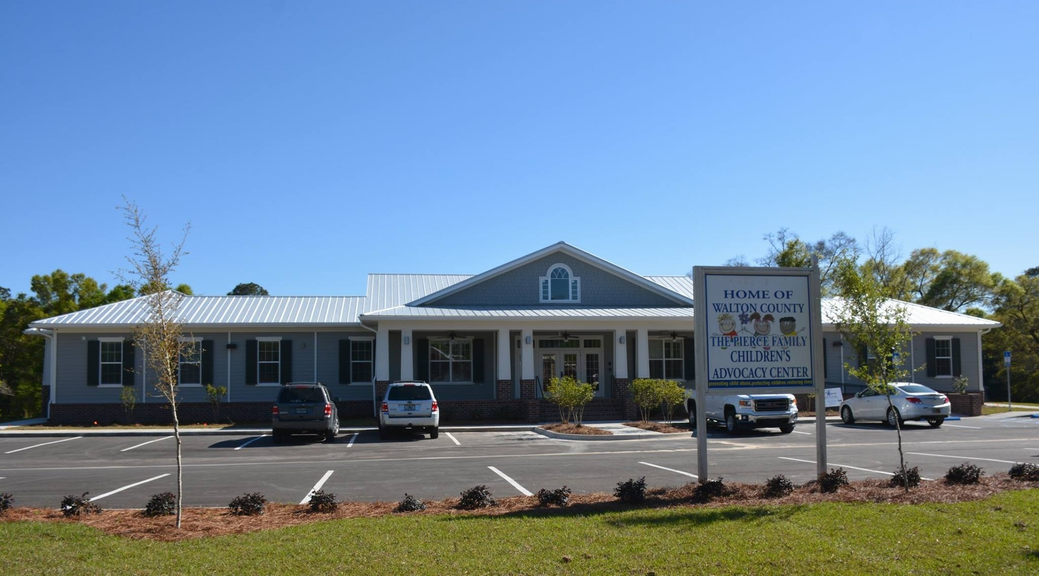 WALTON COUNTY PIERCE FAMILY CHILDREN'S ADVOCACY CENTER 336 College Ave., DeFuniak Springs, FL 32435