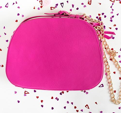 pink-purse--500x467.jpg