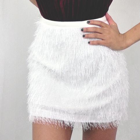 white_fluffy_skirt_1024x1024.jpg