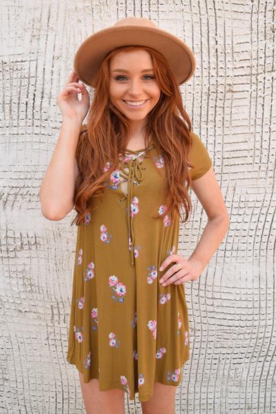 Clorado_Rose_Lace_Up_Dress_Mustard_2-2_grande.jpg