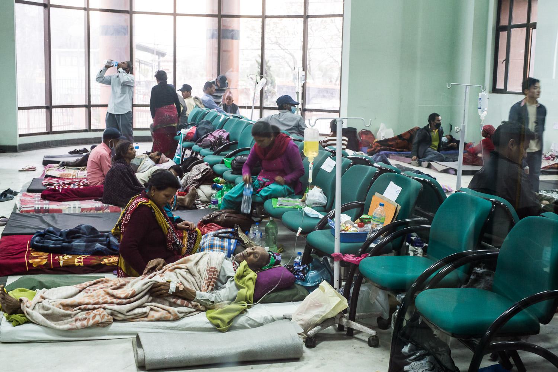 Waiting room Bir Hospital - Katmandou apr 27th