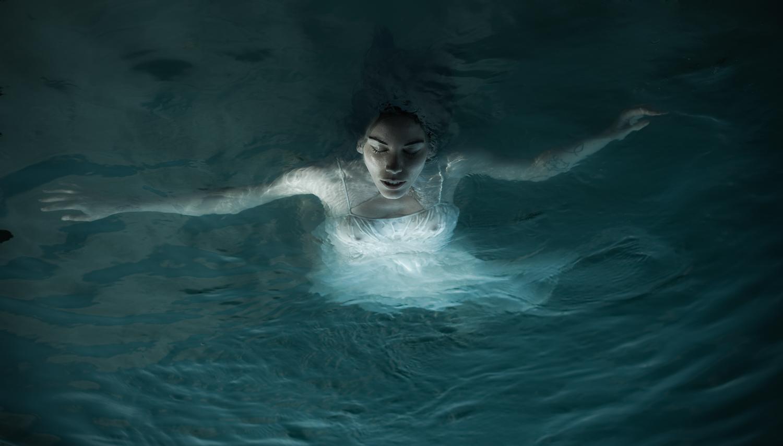 Apory - Dark waters
