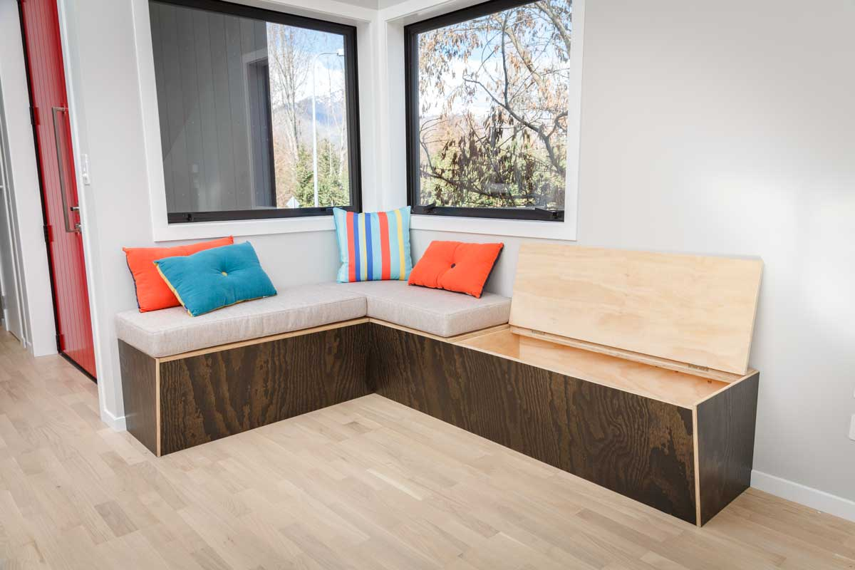 plywood-black-built-in-seat
