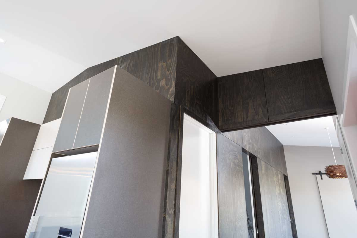 plywood-black-feature-wall-kitchen