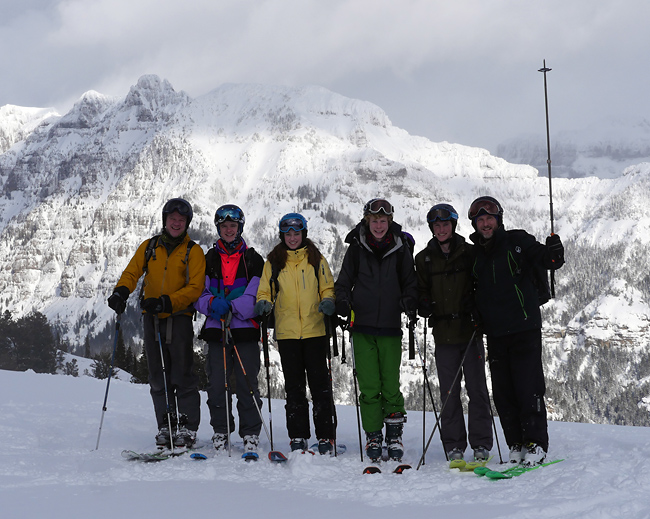 montague_ski_crew.jpg