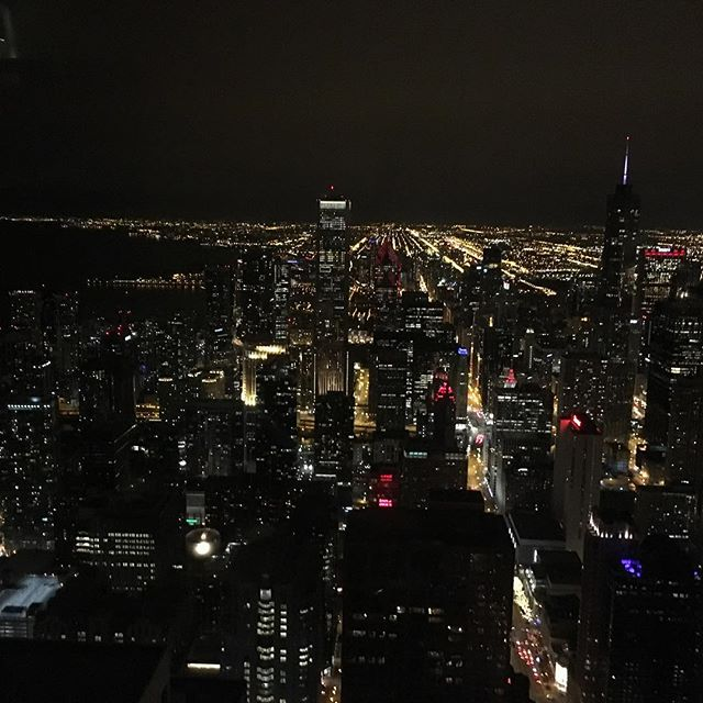Chicago city view ❤️ small but breathtaking #magnificentmile #chicagorestaurantweek