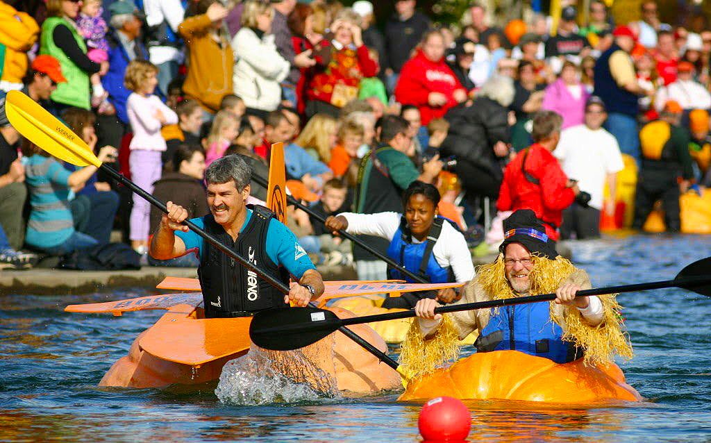 The Great Pumpkin Paddle Race held in Oregon