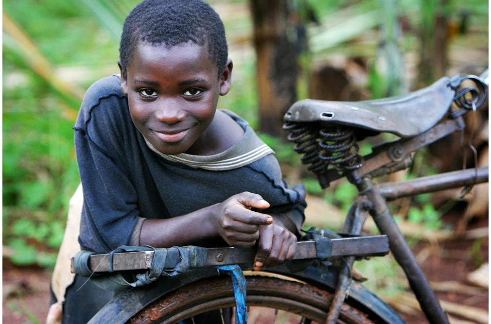 uganda_bugbee1.jpg