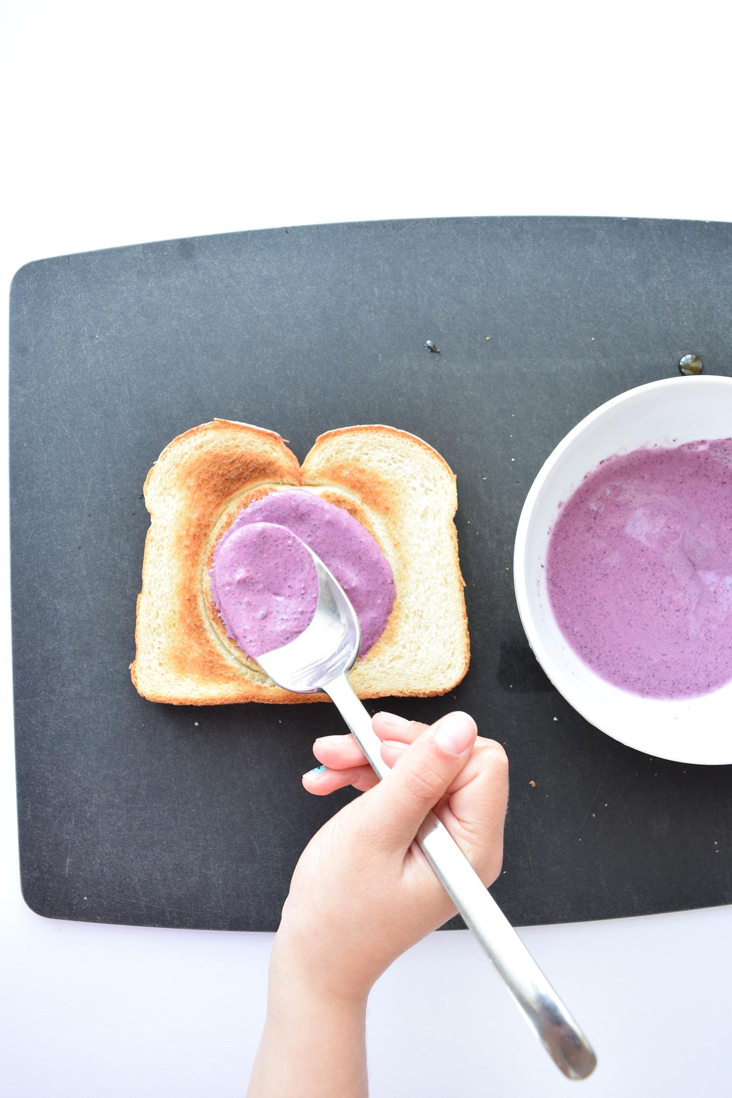 blue_moon_toast_3.jpg