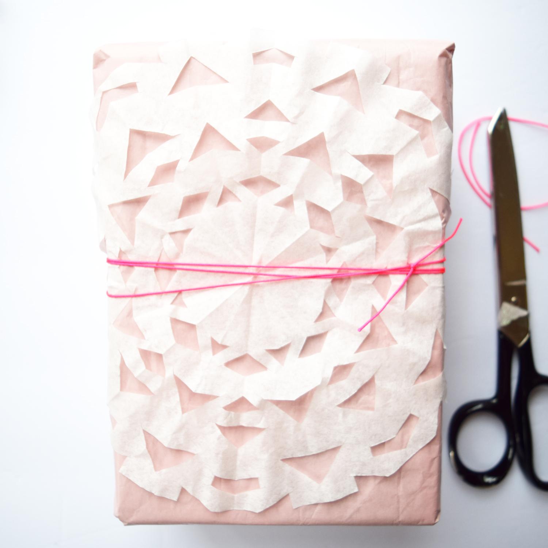 snowflake_wrapping_sq_3.jpg
