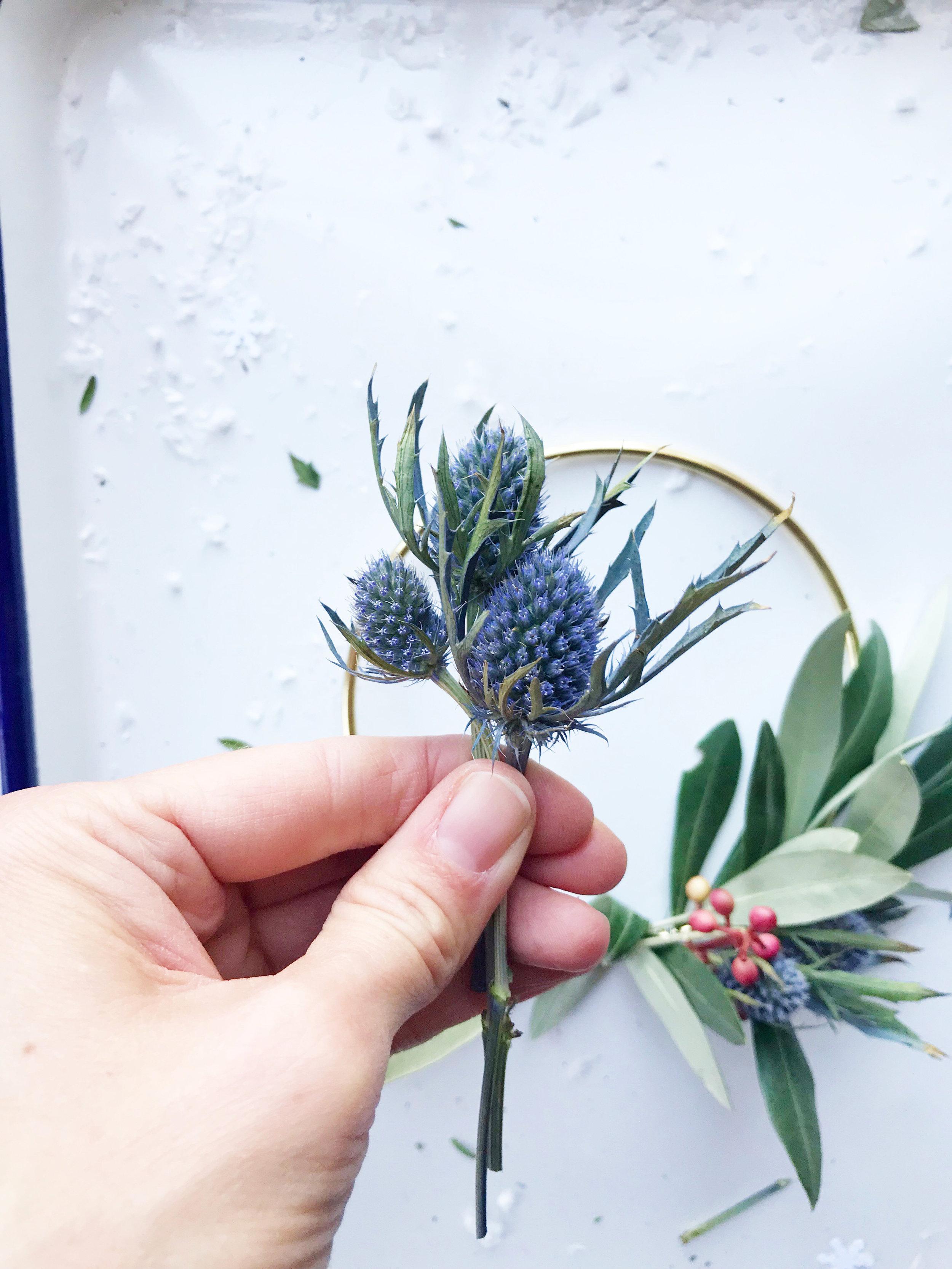 diy_hoiday_wreath_18.jpg