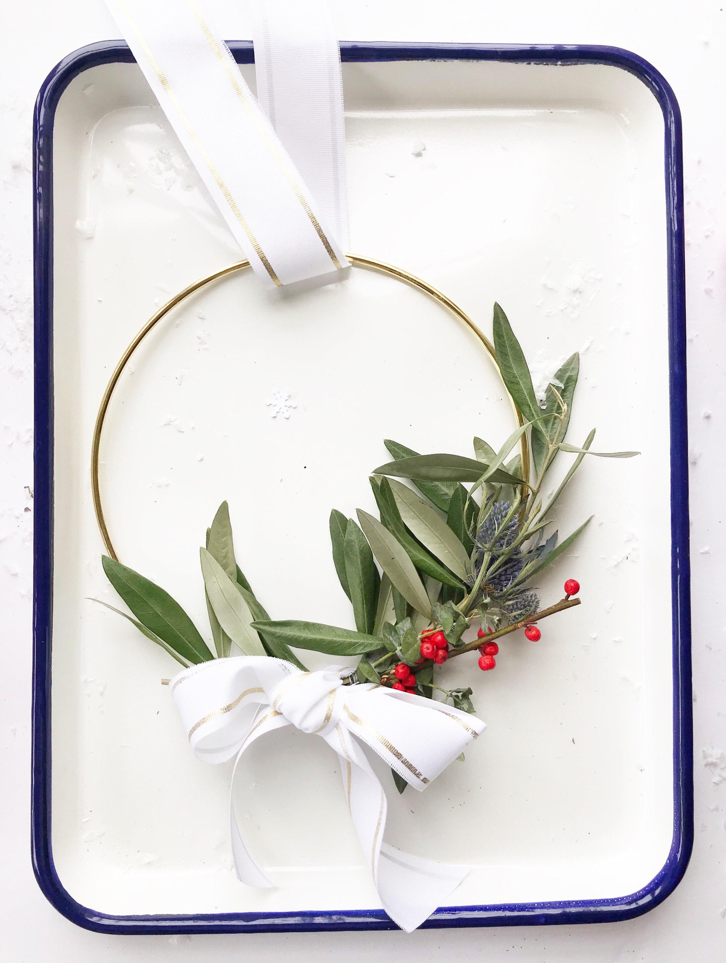 diy_holiday_wreath_14.jpg