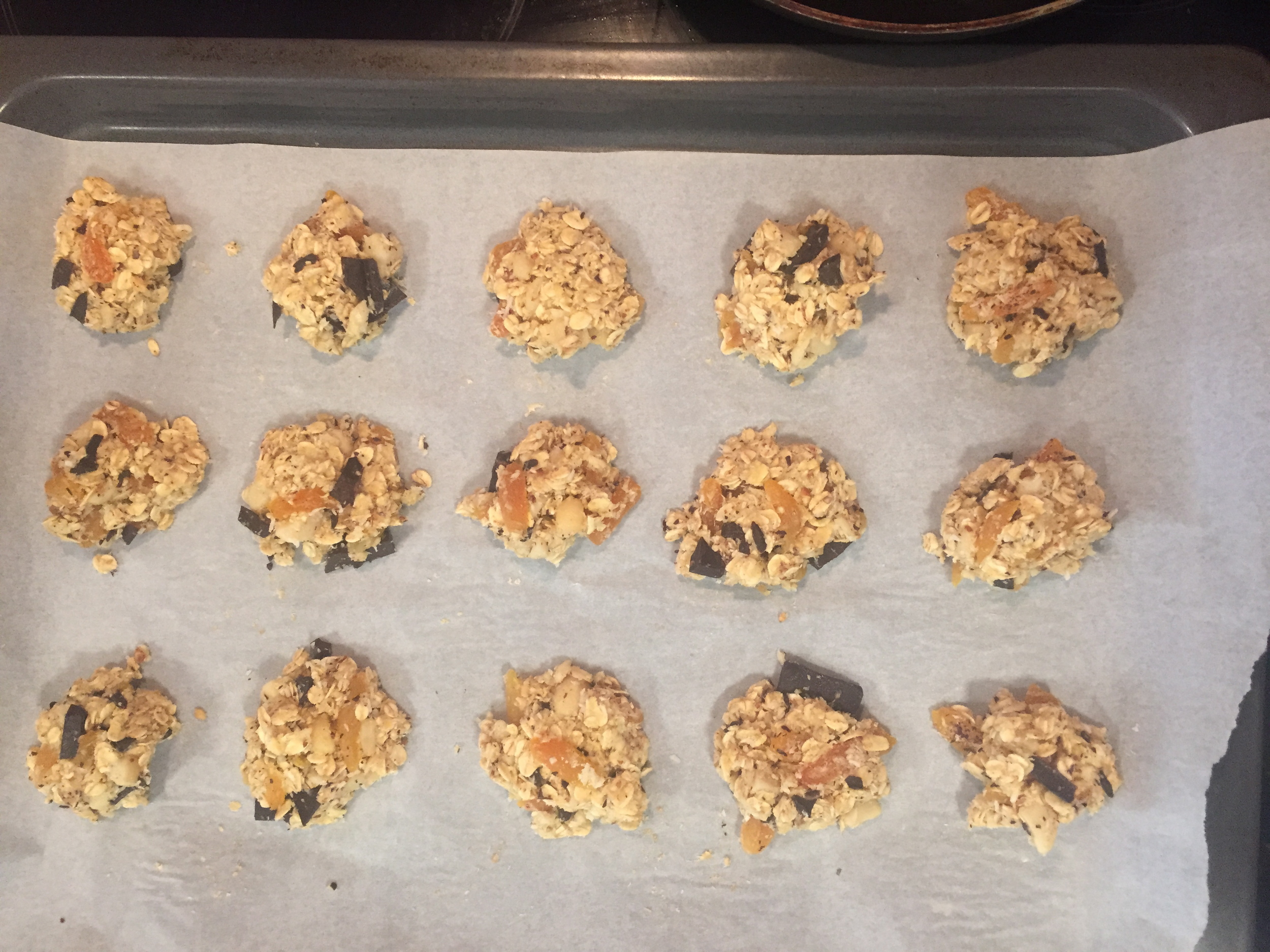 oatmeal-cookies-on-tray