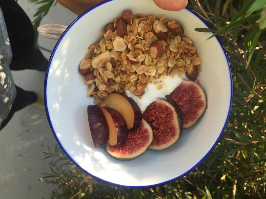 granola-fig-yoghurt.jpg