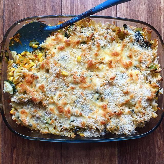 Yum! Delicious veggie packed pasta bake made with leek, celery, carrot, zucchini, corn and spinach, and a tasty white sauce made with nutmeg and fresh bay leaves. So good. Perfect for wet weather weekend baking. Happy weekend!