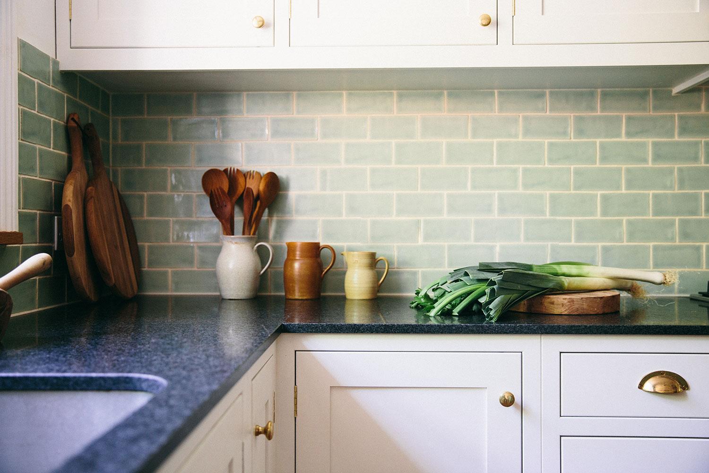 beautiful kitchen surface, modern kitchen, bespoke design, London, brass handles