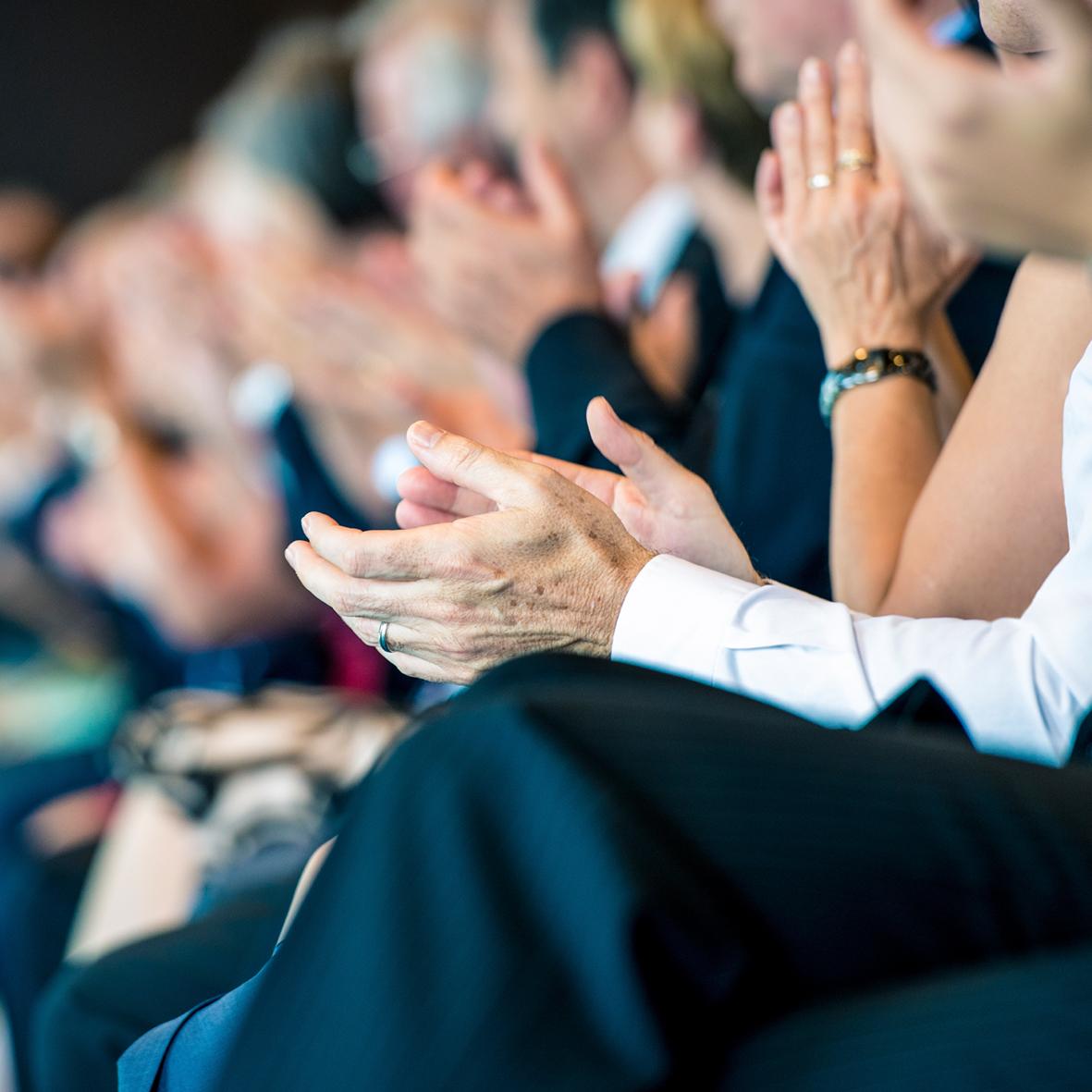 ORGANISATION  Eine gelungene Veranstaltung bleibt lange im Gedächtnis. Unsere Eventmanager sorgen dafür, dass sich Ihre Gäste gerne an Sie erinnern.    >m  ehr Informationen