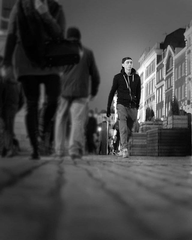 Walking the streetzzz . . . #London #urbanphotography #photography #city #monday #streetphotography #blackandwhite #monochrome #instagood #photooftheday #streetlife #lensculture #peopleinframe #peopleinthestreet #uk_shooters #urbanromantix #repostmyfuji #xt2 #weownthenight #ldn4all_whome #ldn