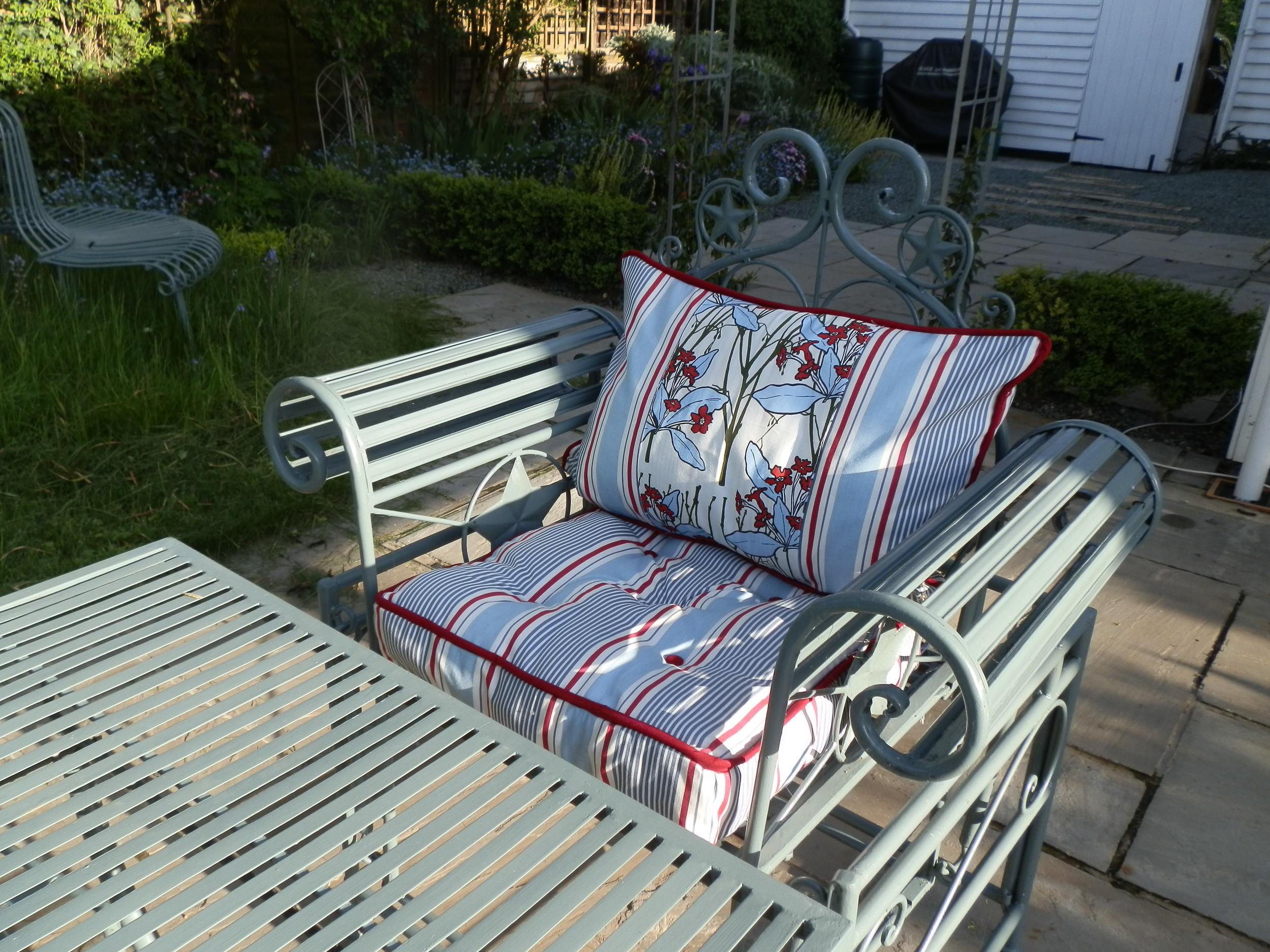 new garden cushions.jpg