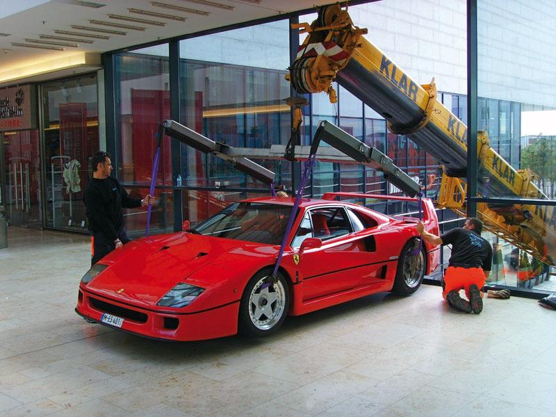 RIA_Ferrari_328_800px.jpg